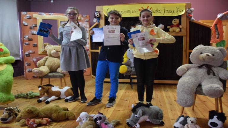 Laureaci Szkolnego Konkursu Recytatorskiego Odkrywamy